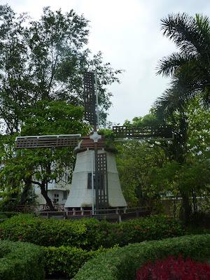 molino holandés en Asia.