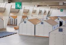 Neonazi-NPD bestellt 1000 IKEA Flüchtlings-Häuschen