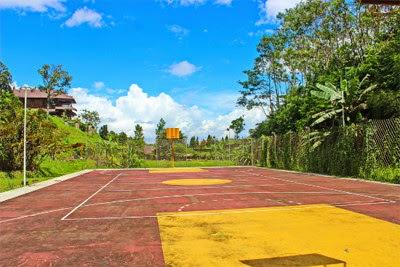 Lapang Tenis Gayatri Villages