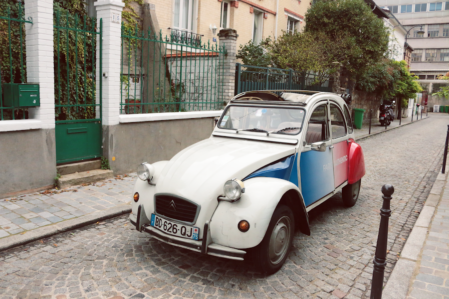 Undiscovered Paris in a 2CV