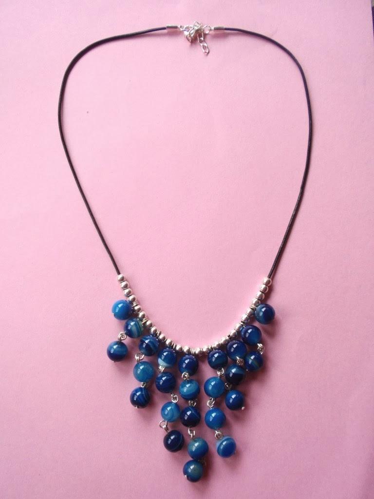 Gargantilla de ágatas color azul