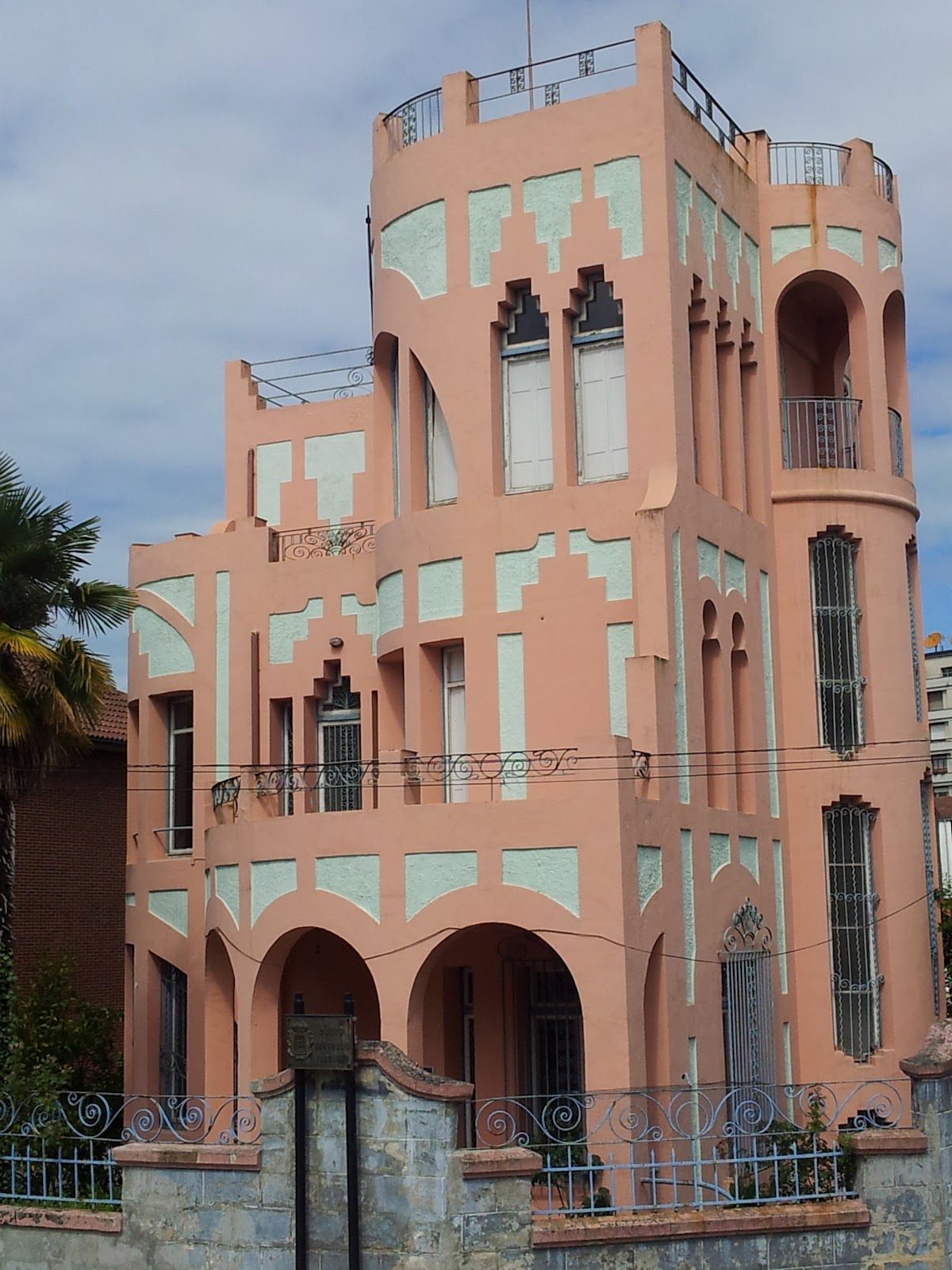 las mil caras de mi ciudad la casa rosa de los p rez
