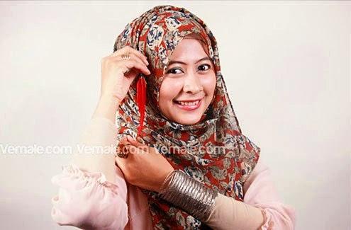 Cara Memakai Jilbab Pashmina Sifon Simple