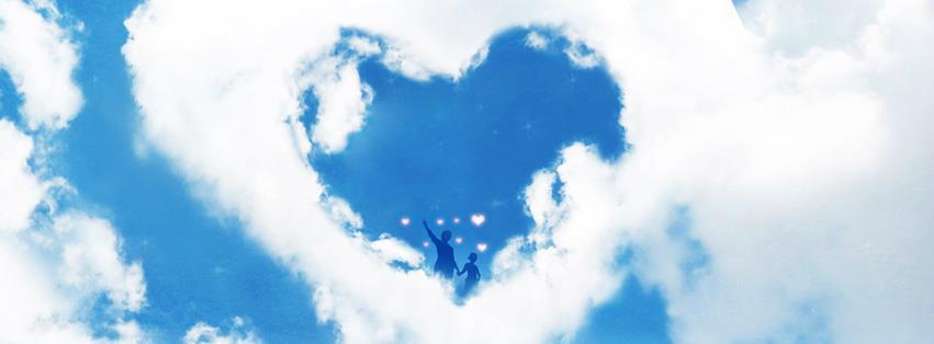 Ảnh bìa trái tim hình thành từ đám mây trắng