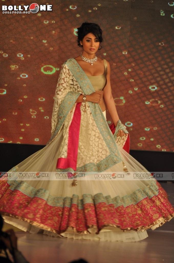 , Sushmita, Neha, Shriya & Dipannita Sharma Walk For Manish Malhotra-lilavati Girl Chil