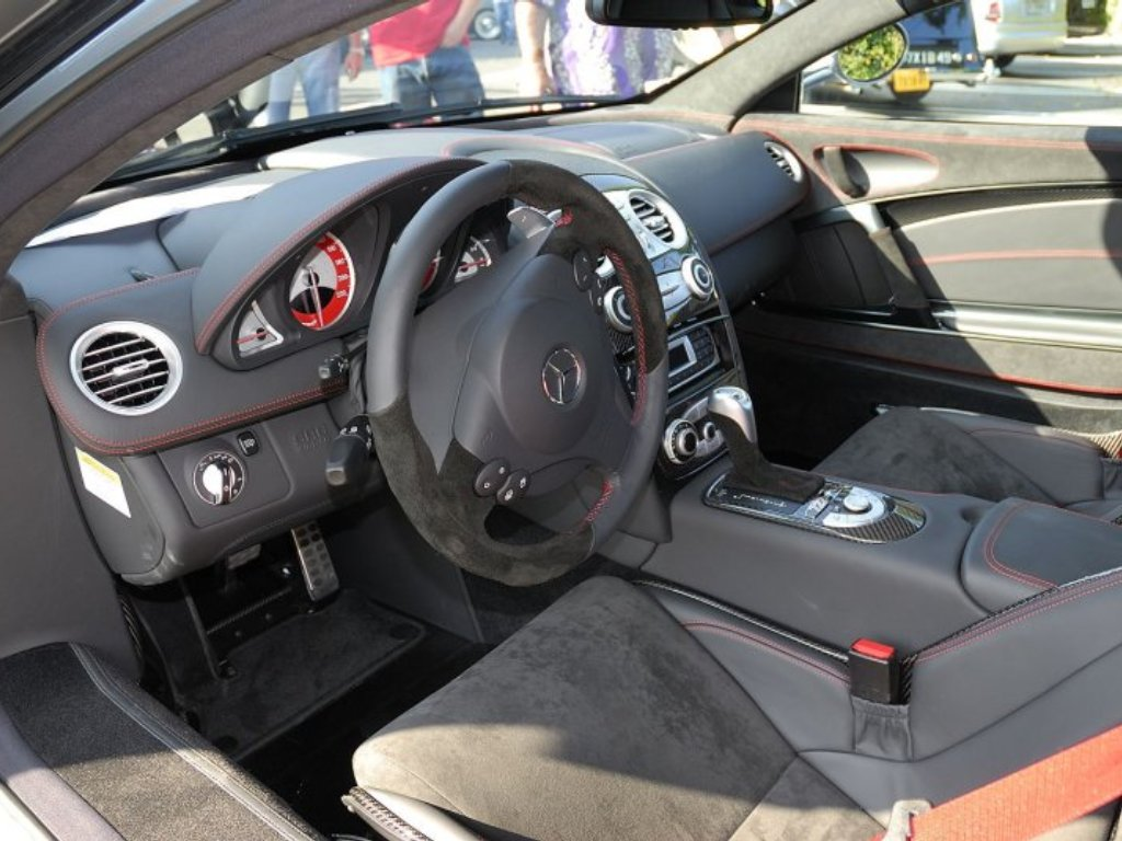 http://3.bp.blogspot.com/-ahj8lLAaIw0/TaRX5V4t7rI/AAAAAAAAAkg/nyTithcaku8/s1600/Mercedes+Benz+SLR+McLaren+722+2.jpg