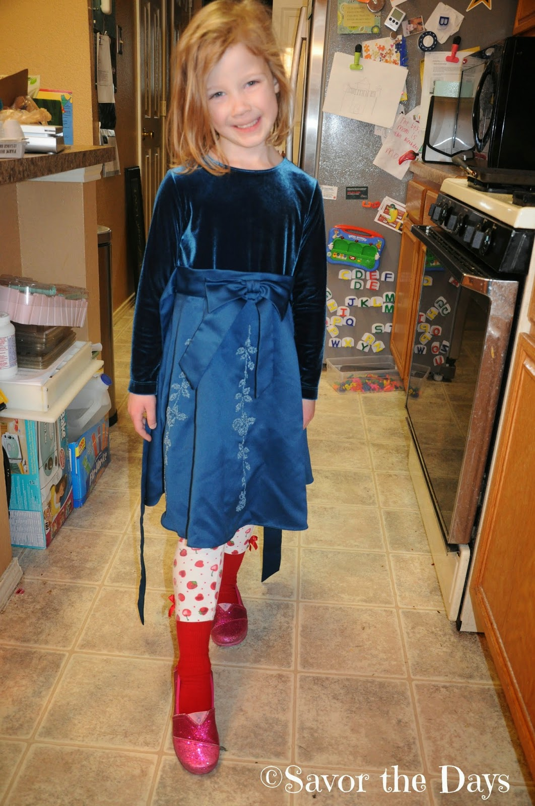 Preschooler in mismatched outfit