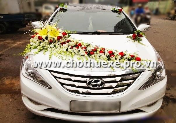 Cho thuê xe cưới Hyundai Sonata màu trắng tại Hà Nội