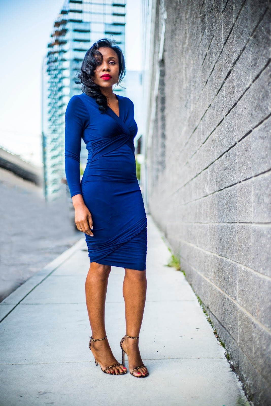 Weekend Style Inspiration: Fitted Midi Dress