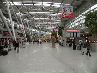 5 Cara Melakukan Check In Cepat Di Bandara