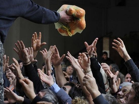 Ένας στους τέσσερις Έλληνες δεν έχει χρήματα ούτε για τρόφιμα!