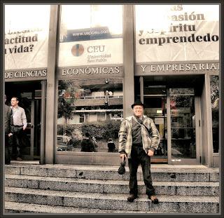 CEU-MADRID-FACULTAD-UNIVERSIDAD-ARTE-DIVISION AZUL-PINTOR-ERNEST DESCALS-