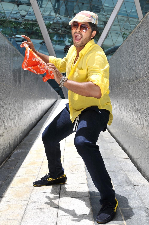 Allu Arjun Ileana S Julayi Movie Latest Photo Gallery
