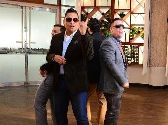 """Tito """"el Bambino"""" y Limi-T 21 solo busco amor video oficial"""