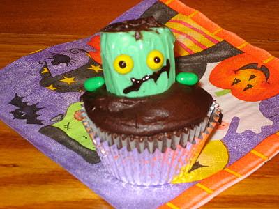 Halloween Frankenstein cupcake cake pop