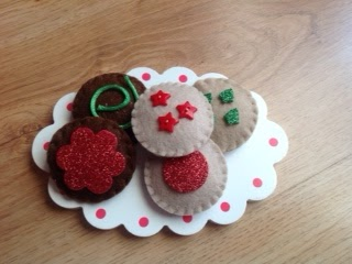 DIY Play Food: Felt Christmas Cookies