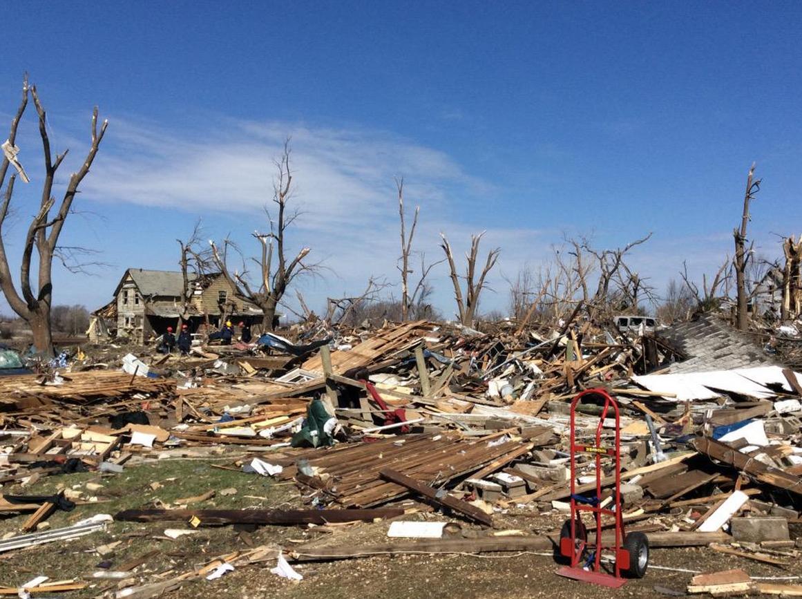 Vồi Rồng Lửa Tornado Illinois 04