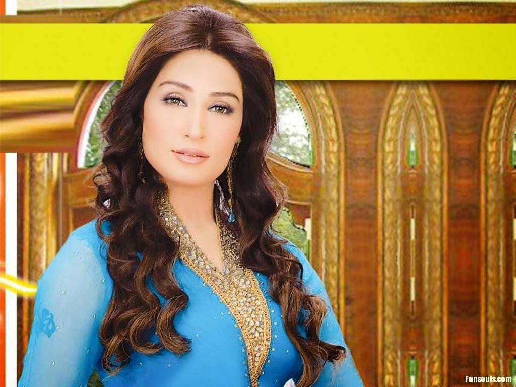 Beautiful Reema Khan HD Wallpaper