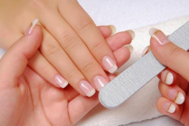 Hola chiquis como andan? Hace algunos días postee como recuperar uñas con  un daño profundo. En mi caso como quedaron post gelificadas.