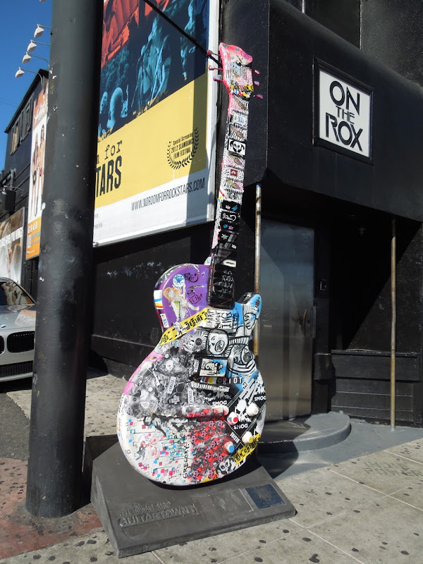 Collaborative Street Art GuitarTown