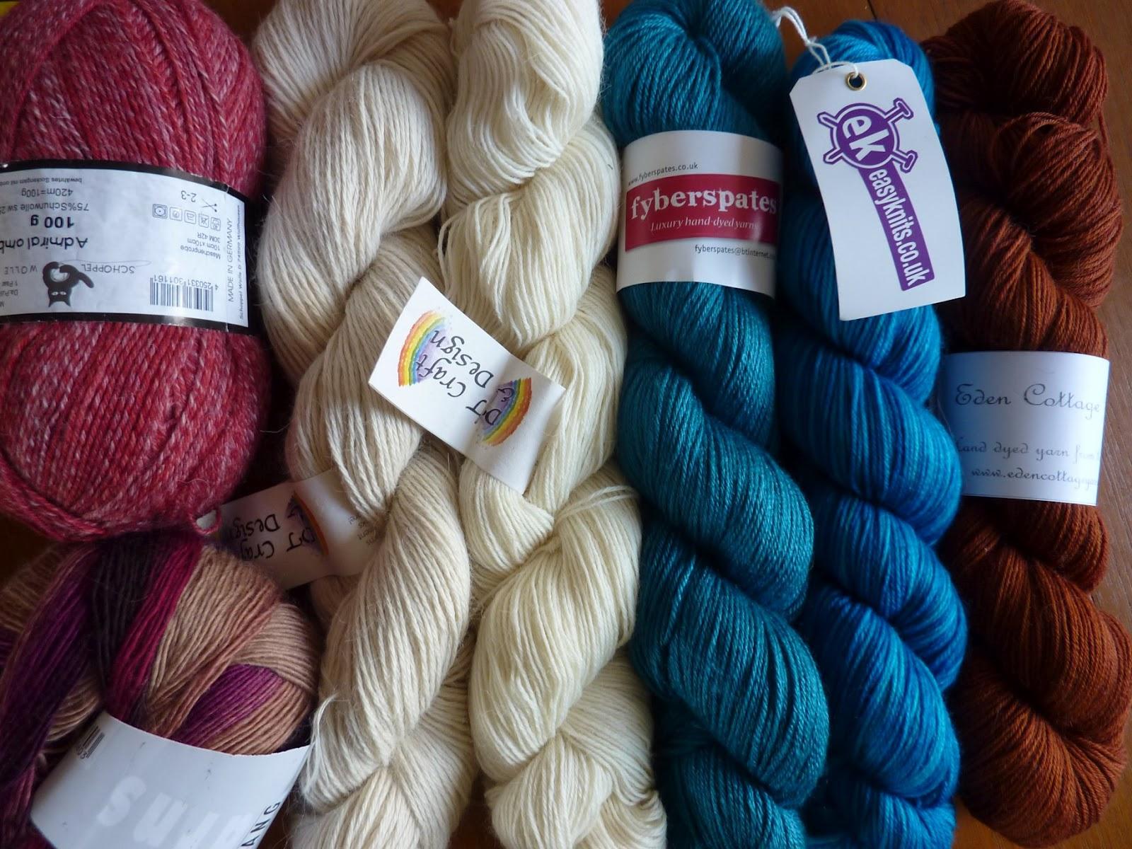 Ravelry: Großbritannien - Guernsey, Socken mit Rüschen