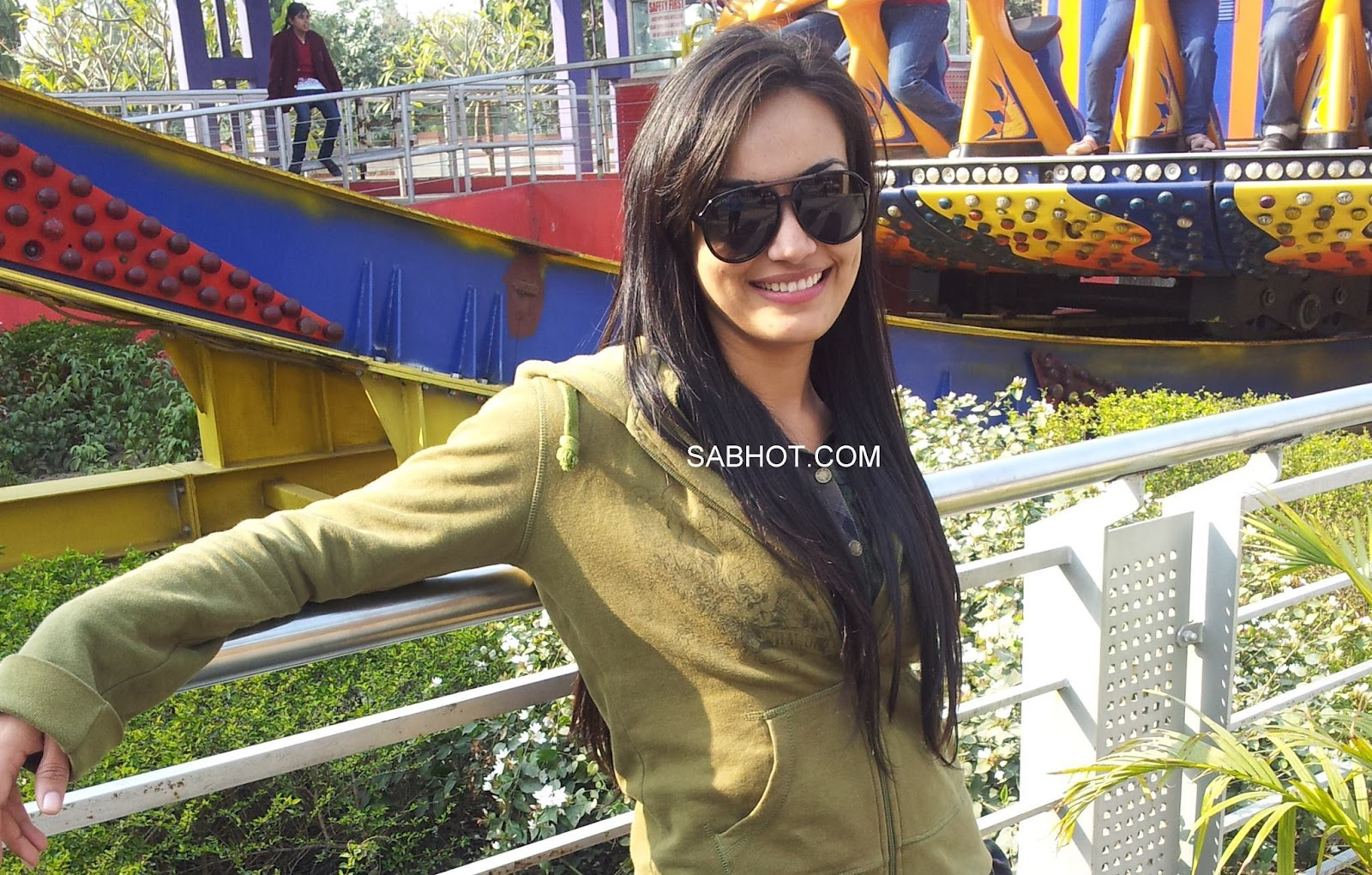 surbhi jyoti hot pic - (2) - surbhi jyoti Wallpapers