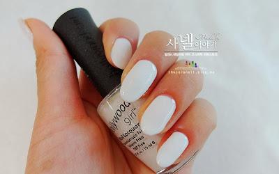 Simple Paisley nail