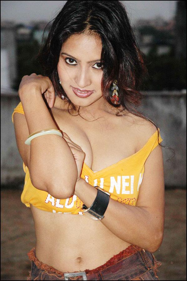 18 year model Bollywood hot Actress hot Photos Wallpapers