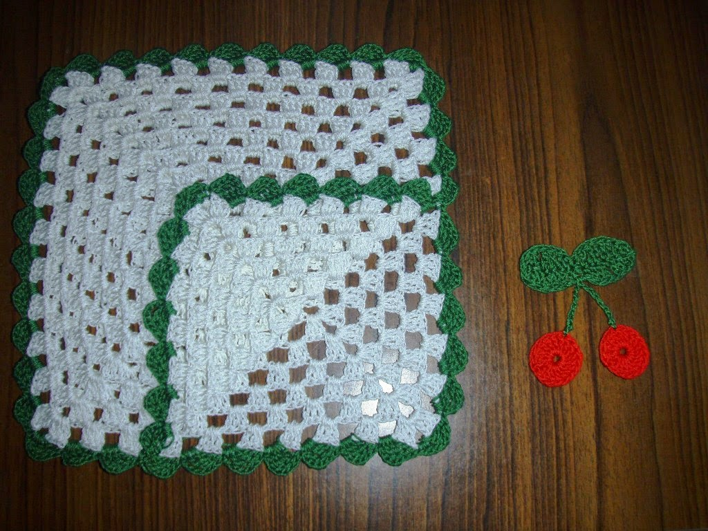 Christmas Crochet Paper Napkin Holder ~ Free Crochet Patterns