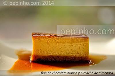Flan de chocolate blanco y bizcocho de almendra
