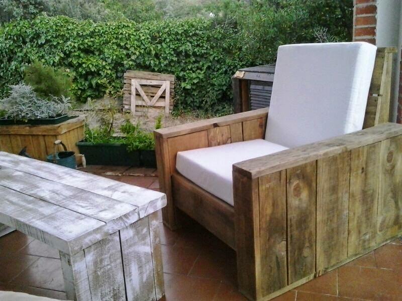 Renovarte con palets para el descanso os ponemos ideas for Sillones con palets de madera