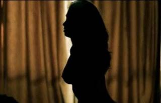 Grazi só aparece fazendo sexo no escurinho ou em imagens feitas de longe. Nada de closes. Isso tudo não passa de exigência brava da ex-BBB e de sua empresária (irmã de Angélica). Não querem erotizar a moça. Nem na Playboy, quando ela posou pelada, as fotos foram ousadas.