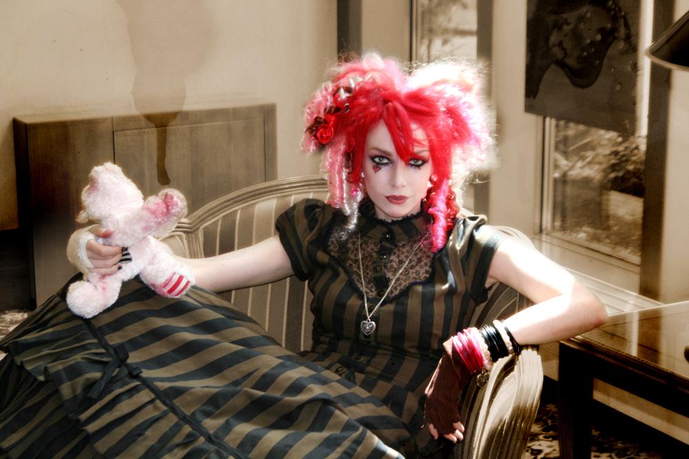 http://3.bp.blogspot.com/-alFCEI1eaw8/USwovJ3DEZI/AAAAAAAAIKw/RZA-Wjpifc8/s1600/Emilie+AutumnTITULO30.jpg