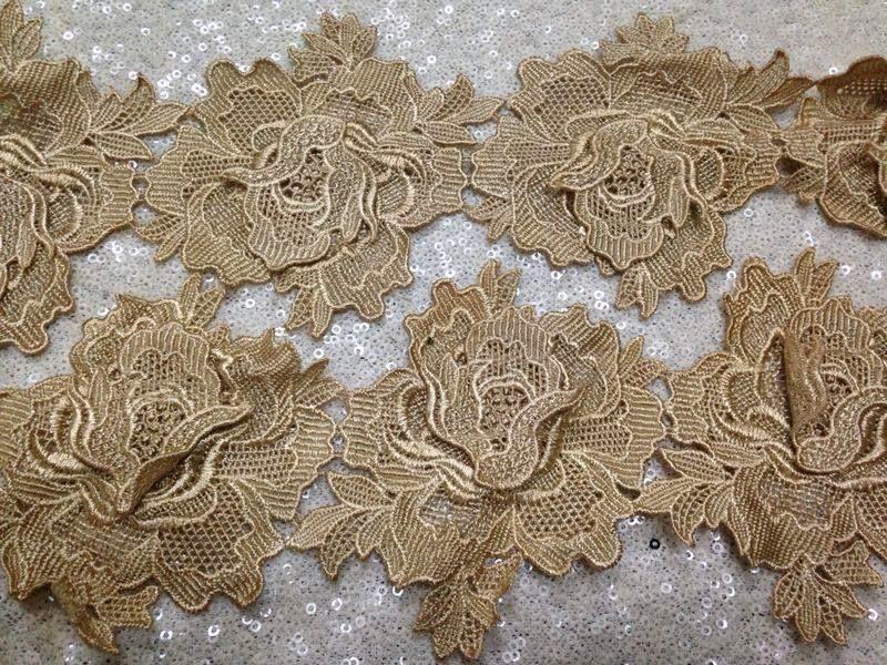 Hiris fuschia border prada lace for Border lace glam
