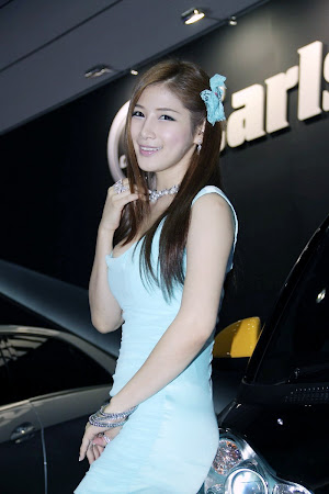 Hwang Ga Hi, Seoul Auto Salon 2011 (02)