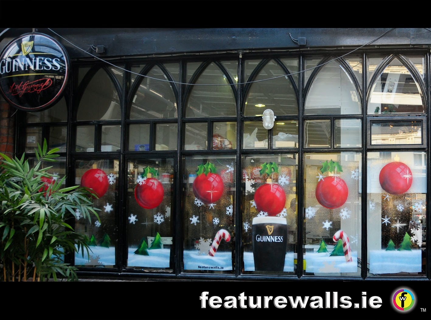 Christmas window paintng by featurewalls ie 2013 for Christmas window mural