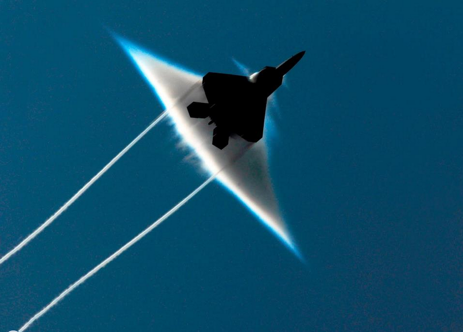 Sukhoi, Sonic Boom, Pesawat jet