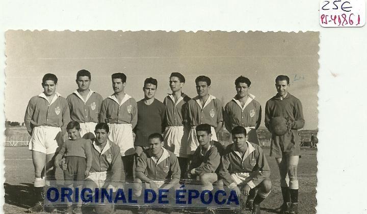 FOTO DE BINEFAR-EQUIPO DE FUTBOL 1952 (12,5 X 7,5 CM.)