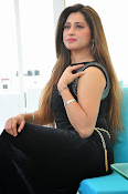 Farah khan glamorous photos-thumbnail-17