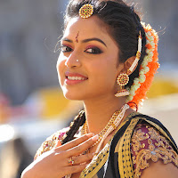 Amala paul new photos from iddarammayilatho movie