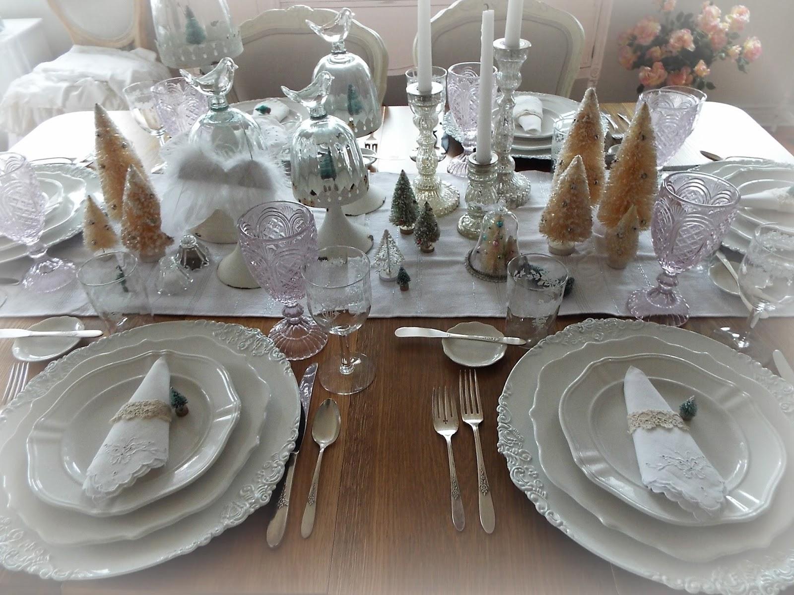 Lakehouse A Vintage Christmas Tablescape