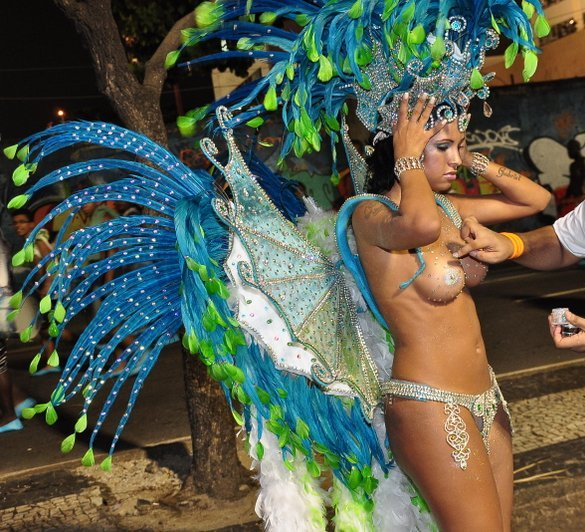 Painting Nude Samba Dancers Is The Best Job In Brazil.