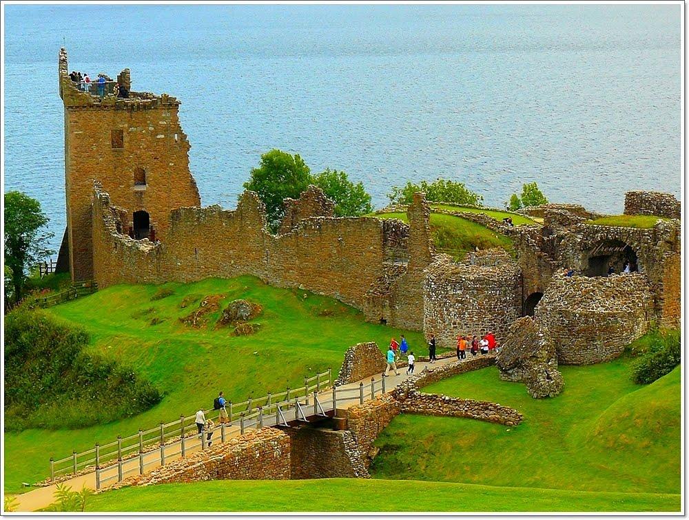 Škotska Lake-loch-ness-scotland-2
