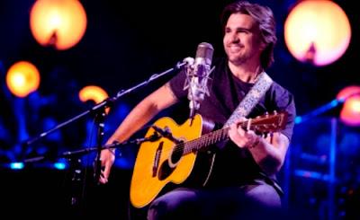Juanes en formato acústico