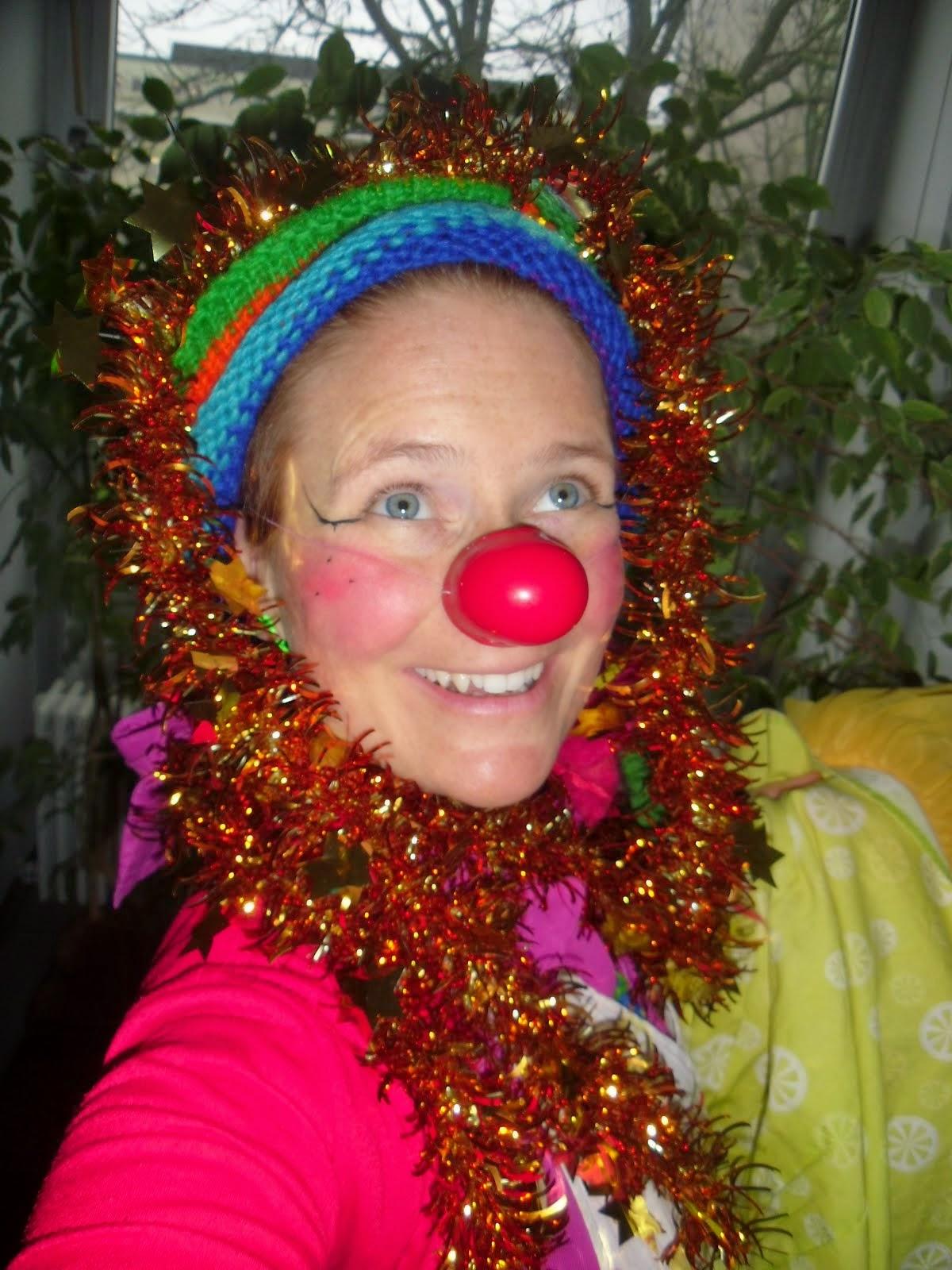 Ein Clownsweihnachtsbaum-Selfi