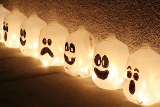 enfeites halloween, decoracao barata, decoracao halloween, garrafa plástica decorada, dia das bruxas