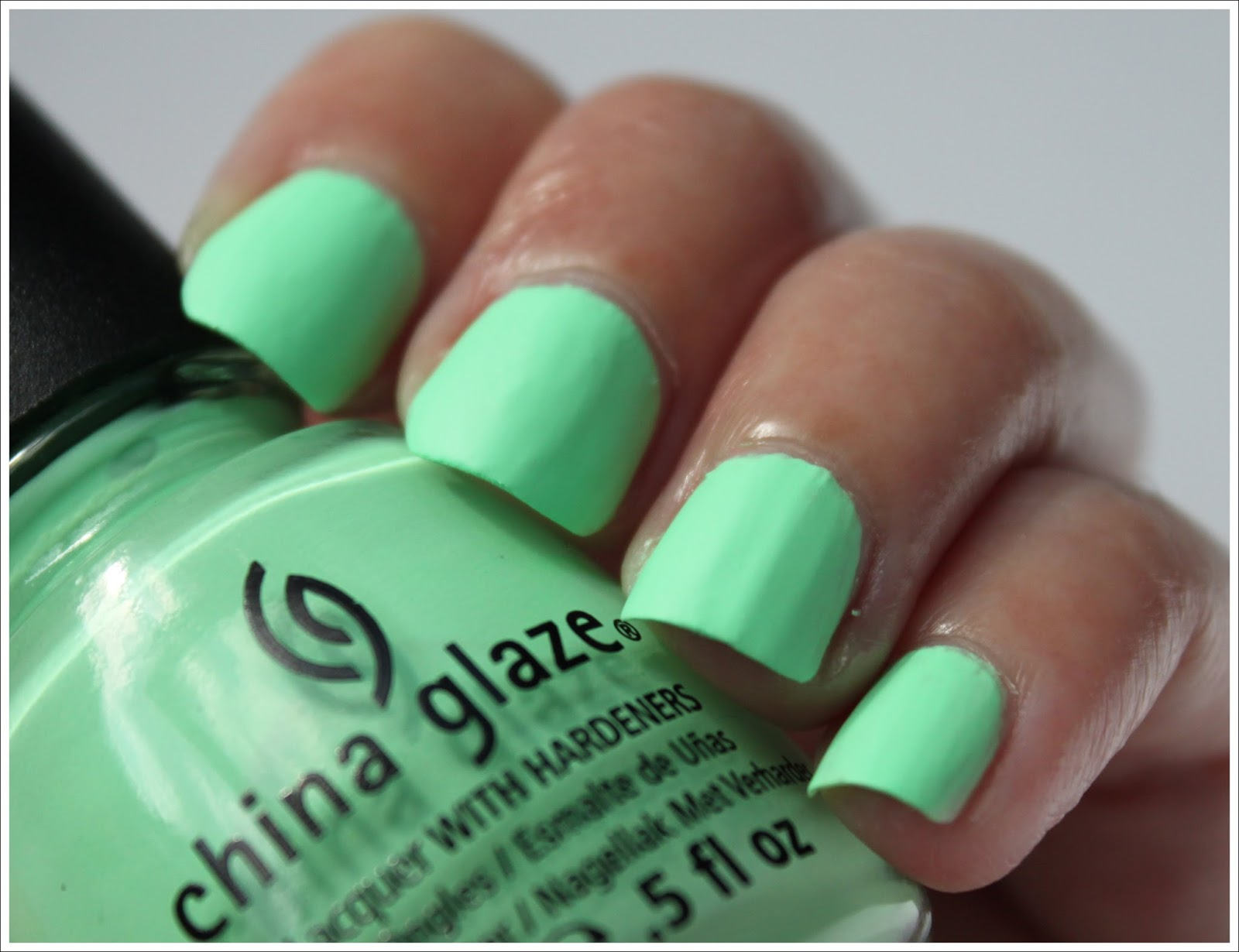 Shell-O y Highlight of My Summer de China Glaze - DoBeauting