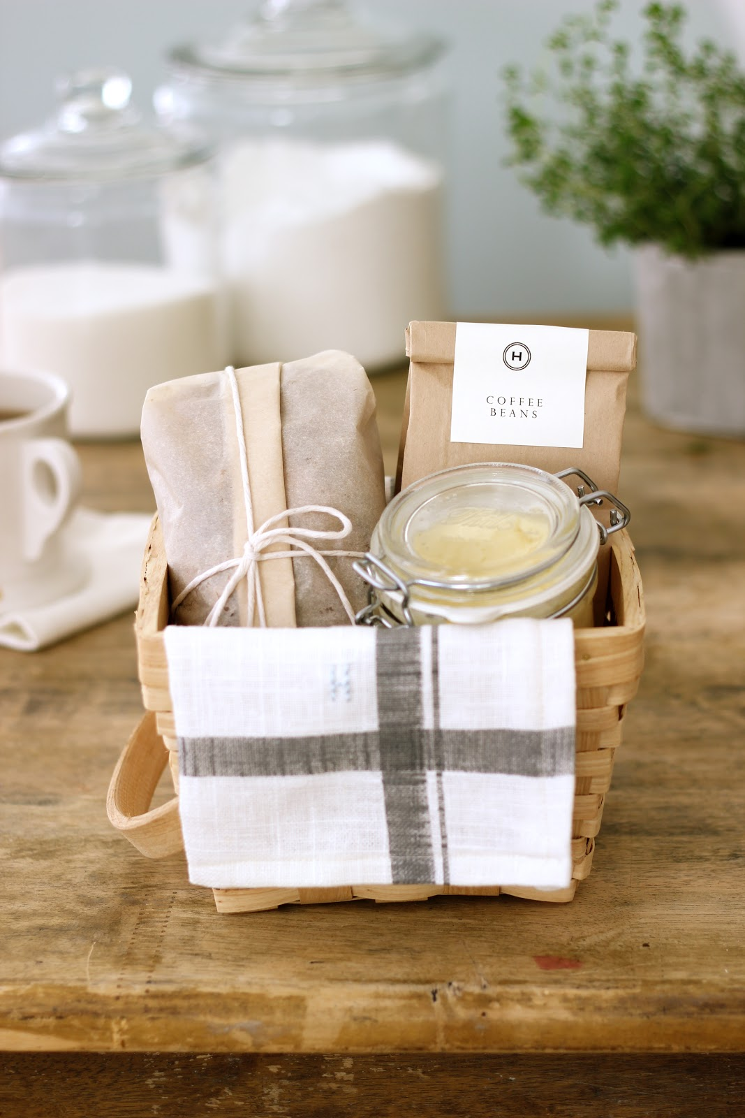 Jenny Steffens Hobick: Breakfast Hostess Gift | Banana Bread and ...