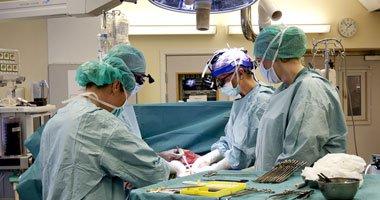 خطوات عملية جراحية لتحويل رجل الى امراءة