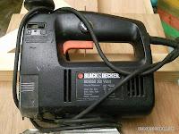 Potencia de vieja sierra de calar Black and Decker. Enredandonogaraxe.com